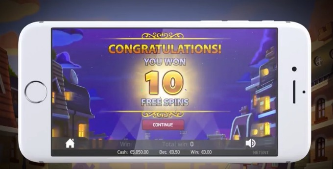 Play Copy Cats slot at Rizk casino