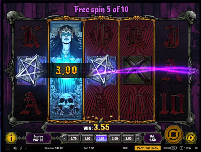 House of Doom slot free spins feature